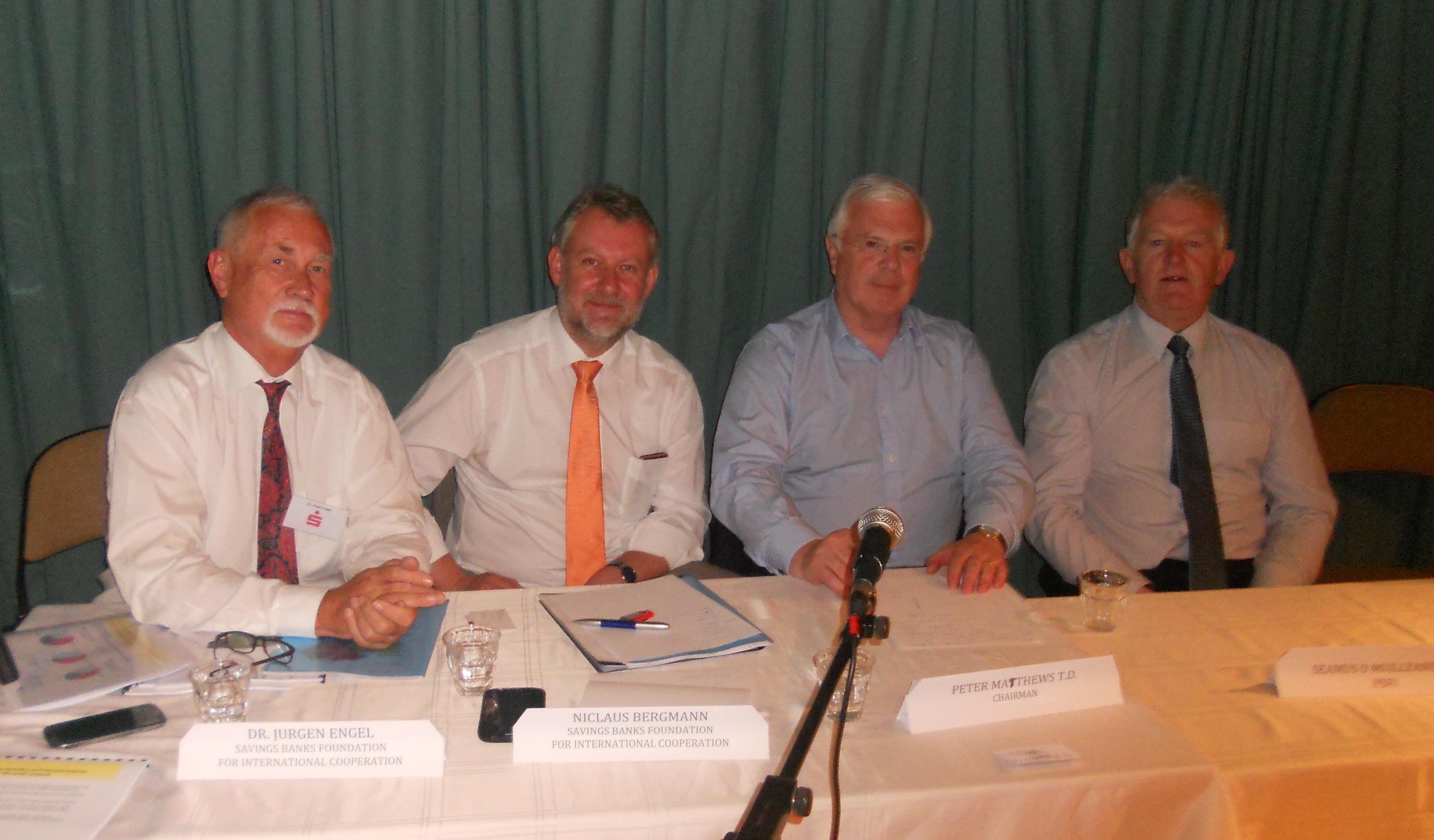 Jür,Nic,Pet,Jim at table